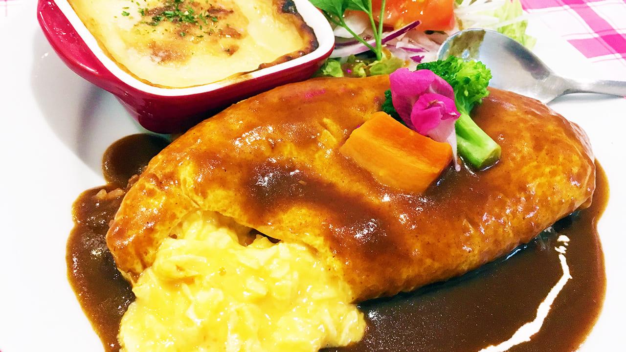 いなぎsatoyamaキッチンのオムライス