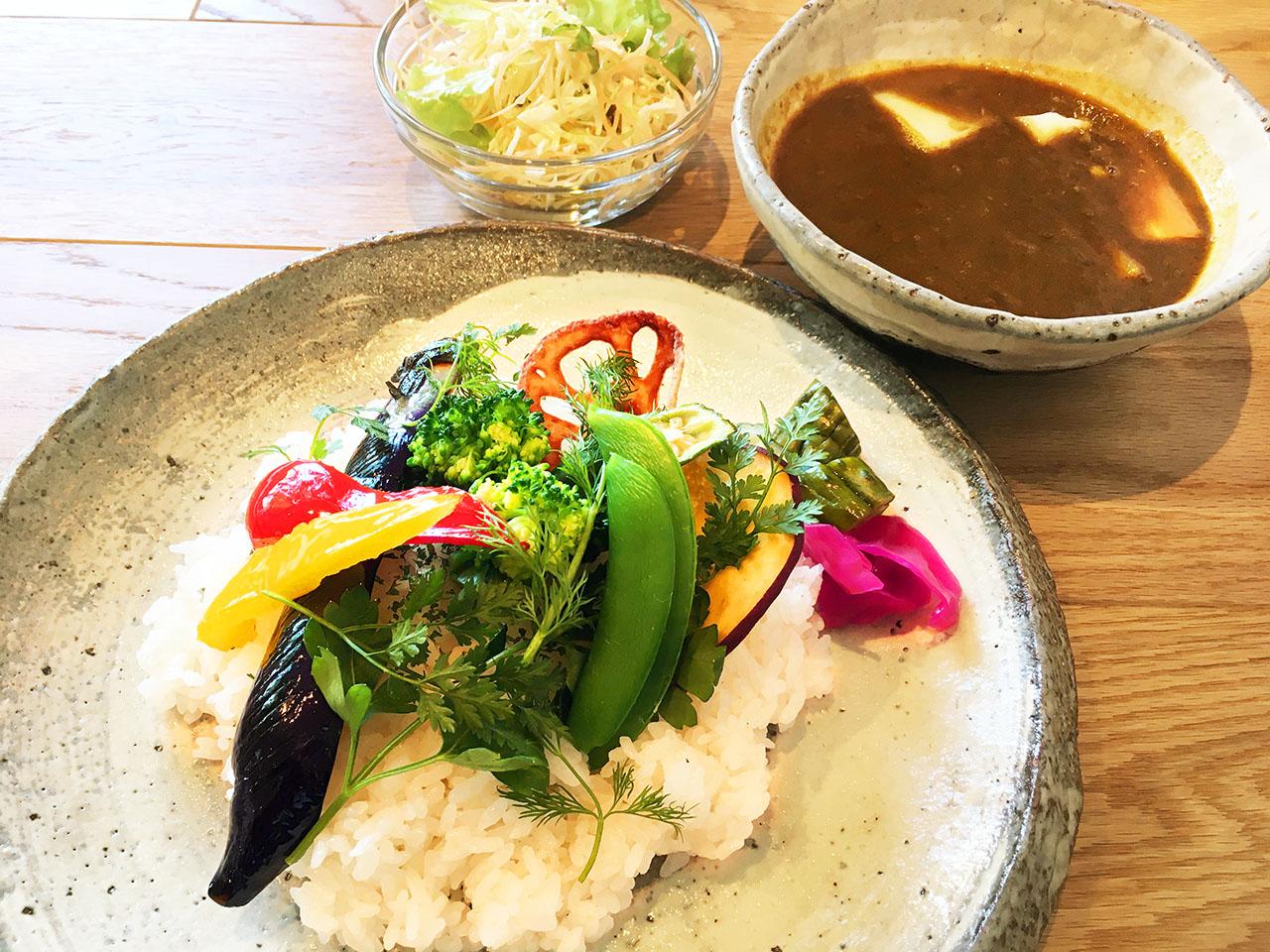 JR南武線の矢野口駅前にニニギカフェがオープン